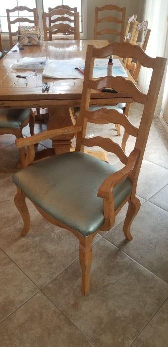 Captain's chair detail