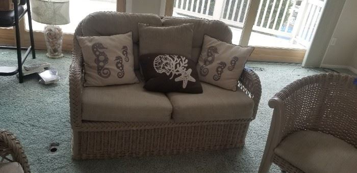 Rattan love seat matches couch $150