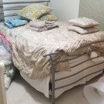 Queen bed $125